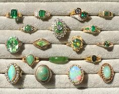 How To Choose Jewelry Cute Jewelry, Jewelry Box, Jewelry Rings, Jewlery, Jewelry Accessories, Antique Rings, Antique Jewelry, Vintage Jewelry, The Bling Ring