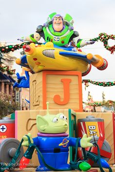Disneyland 2012 - Buzz Lightyear - Toy Story alien <3