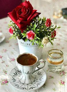 Good Morning Coffee Gif, Coffee Break, Gd Morning, Coffee Cup Art, Coffee Cafe, I Love Coffee, My Coffee, Spiced Coffee, Good Morning Flowers