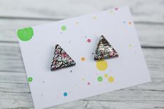 stud earrings, made of polymer clay with resin on the top. It is very light and not fragile. Black Stud Earrings, Polymer Clay, Triangle, Etsy Seller, Resin, Rainbow, Creative, Top, Rain Bow