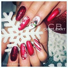 """23 Likes, 6 Comments - Ongleart Chloe (@ongleartchloe) on Instagram: """"#ongle #ongles #valbonne #opio #nails #nail #nailart #nailartnoel #christmasnailart #christmasnails…"""""""