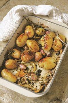 aardappels uit de oven met citroen, rozemarijn en tijm
