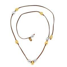 Collar de Tiras de Piel. 6 Perlas en Baño de Oro de 22K y 5 Perlas en Baño de Rodio.