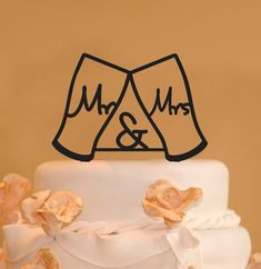 with ampersand wedding cake topper - beer glass cake topper - Custom Mr. and Mrs Guinness Beer glasses Wedding Cake Topper Mr. Fall Wedding Cakes, Our Wedding, Dream Wedding, Wedding Ideas, Wedding Stuff, Wedding Summer, Wedding Things, Wedding Decorations, Wedding Inspiration
