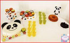 Kit festa | Aniversário SALVADOR | 1 Aninho  Mesa dos doces com:   Caketopper  Bases decoradas  Bolo + Cupcakes   Obrigada papás  +INFO: mimeoseubebe@gmail.com   #mimeoseubebe #mime #festasdeaniversário #kitfesta #festasdivertidas #panda