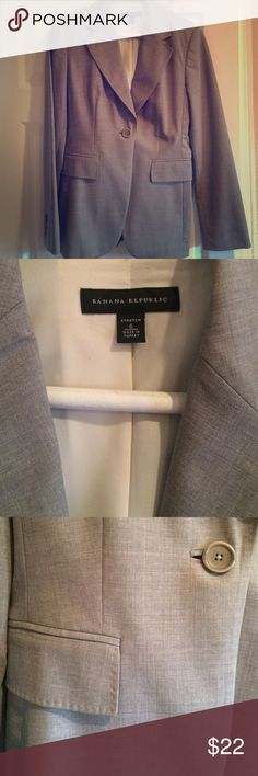 Banana Republic Martin suit jacket 6 Great suit jacket worn for work only.  I have the matching pants listed. Used but in great condition.  No rips or snags.  Non smoking home Banana Republic Jackets & Coats Blazers