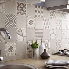 Carrelage aspect vieilli imitation carreaux de ciment pour la crédence  http://www.homelisty.com/credence-cuisine/