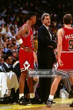 Fotografia de notícias : Phil Jackson and Scottie Pippen of the Chicago...