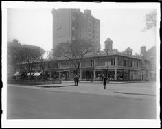 Broadway between 86th and 87th Streets. General exterior.