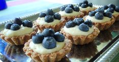 Marian pieni leipomo - Maria's little bakery: Marjaisat kaurakorit / Berry and oat baskets Berry, Waffles, French Toast, Baskets, Cheesecake, Sweets, Cookies, Baking, Breakfast