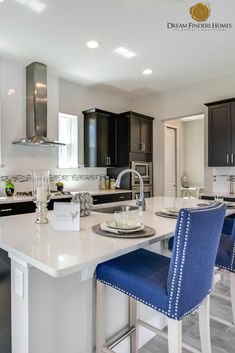 Looking for a home in Orlando? Farmhouse Kitchen Cabinets, Modern Farmhouse Kitchens, Kitchen Cabinet Design, Kitchen Dining, Hells Kitchen, Custom Kitchens, Cool Kitchens, Small Cottage Kitchen, Interior Design Magazine