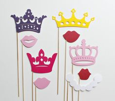 Pretty Princess and Crowns Photo Booth Props - Eight Princess Wedding and Birthday Photobooth Party Props Disney Princess Party, Baby Shower Princess, Princess Wedding, Crown Photos, Barbie Vintage, Photo Booth Props, Photo Prop, Party Props, Baby Party