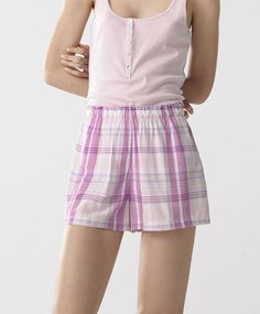 Pink shorts - New In Spring Summer 2017 trends in women fashion at Oysho online. Find lingerie, pyjamas, slippers, nighties, gowns, fluffy, maternity, sportswear, shoes, accessories, body shapers, beachwear and swimsuits & bikinis.