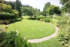 Tuinen Mien Ruys | Flickr - Photo Sharing! Circular Lawn, Prairie Planting, Flamingo Garden, Urban Cottage, Garden Quotes, Backyard Makeover, Private Garden, Garden Structures, Landscape Photos