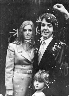Paul McCartney & Linda Eastman: March 12, 1969 (married until her death in 1998). Children: 3 (+ adopted her daughter)