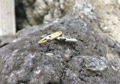 Verlobungsring Gelbgold oder Silber mit kleinem Totenkopf