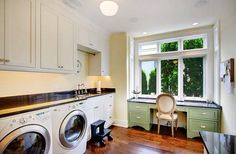 LAUNDRY ROOM – Another great design idea for a well-functioning laundry room. Traditional Laundry Room Design, Pictures, Remodel, Decor and Ideas. Laundry Craft Rooms, Modern Laundry Rooms, Laundry Room Remodel, Laundry Room Cabinets, Basement Laundry, Laundry Room Storage, Laundry Room Design, Laundry Decor, Laundry Area