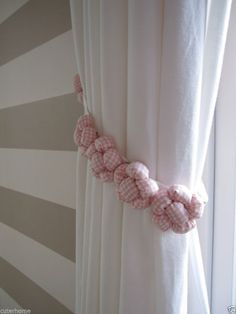 ONE NEW CHILDREN'S FABRIC CURTAIN TIE-BACK -WHITE&PINK GINGHAM - PADDED FLOWERS