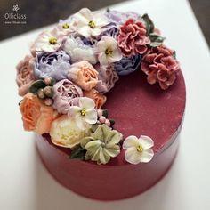 Done by student  #buttercreamflowercake #flowercake #buttercreamcake #flowercupcake #koreanstylecake #ollicake #olliclass #olligram #peony #rose #dogwood #hydrangea  #blossom #bouquet #wreath #weddingcake #partycake #carrotcake #버터크림플라워케이크 #플라워케익 #올리케이크 #올리클래스 #당근케이크 #올리특제당근시트 #케익스타그램 #꽃스타그램 #동편마을 #since2008  www.ollicake.com ollicake@naver.com