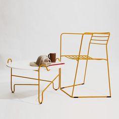 """Designer basé à Dublin et Cracovie, Zbigniew Strzebonski du studio Modestwork nous fait découvrir sa chaise """"Loft""""."""