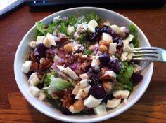 Coach Nicole's Favorite Summer Salad Recipe via @SparkPeople