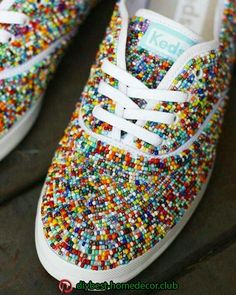 32 Ideas Embroidery Diy Shoes For 2019 Ty Dye, Shoe Makeover, Beaded Shoes, Do It Yourself Fashion, Decorated Shoes, Shoe Art, Painted Shoes, Diy Embroidery, Diy Clothing