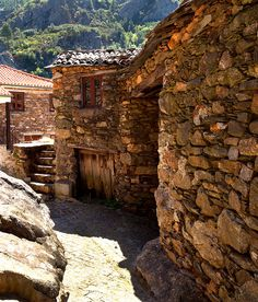 Casa de Xisto, Aldeia de Pena by jraposo3072, via Flickr #Portugal