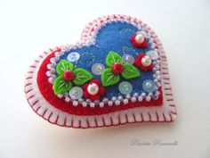 Felt Heart Pin /by the adorable Beedeebabee on Etsy beads embroidery applique