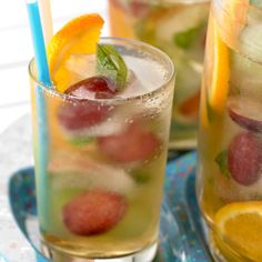Non-Alcoholic Sangria - oranges, grapes, mint leaves, etc. in Juicy Juice and seltzer water. Sparkling Sangria, Sparkling Lemonade, Green Cocktails, White Sangria, Sangria Recipes, Cocktail Recipes, Non Alcoholic Sangria, Sangria Fruit, Alcoholic Beverages