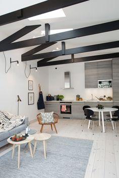 kitchen and dining area   Scandanavian Interiors - http://www.planete-deco.fr/2015/05/21/une-mini-maison-en-ville/
