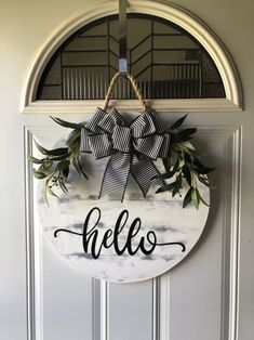 This particular photo is an obviously inspirational and very good idea Wooden Door Hangers, Wooden Doors, Wooden Signs, Diy Arts And Crafts, Home Crafts, Diy Home Decor, Porch Signs, Door Signs, Traditional Front Doors