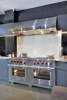 Kitchens, Kitchen Appliances, Oven, Diy Kitchen Appliances, Home Appliances, Kitchen, Ovens, Cuisine, Kitchen Gadgets