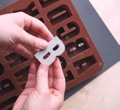 Pour DIY Concrete Letters, # Pour, Section, Diy Section, Gorgeous DIY clay letters perfect for Christmas.DIY alphabets (Decorate with family Cement Art, Concrete Crafts, Concrete Art, Concrete Projects, Concrete Design, Diy Home Crafts, Clay Crafts, Crafts To Sell, Diy Projects Videos