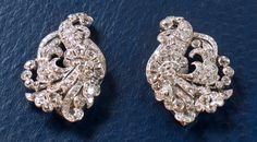 Splendid 1930 double brooch, diamonds set on grey gold and platinium, 20th Century. Old cut style diamonds , total weight 13 carat, beautiful work of cornucopia. For sale on Proantic by Blanc-Anselme. #brooch #diamond