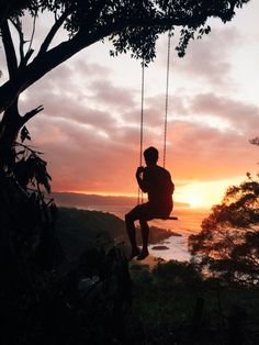 Hawaii Travel Bucketlist - Waimea Heiau Lookout, Oahu - Best sunset spot on the North Shore. Sometimes there's even a swing! More Hawaii travel ideas on our site!