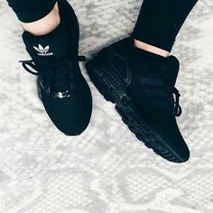 Addidas shoes Black adidas shoes Adidas shoes Shoes Sneakers Shoe boot How should the right shoe choice be? Black Adidas Shoes, Adidas Shoes Women, Sneakers Adidas, Black Nikes, Black Sneakers, All Black Shoes, Adidas Boots, Men Sneakers, Trendy Shoes