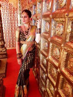 Blouse design Half Saree Designs, Bridal Blouse Designs, Raw Silk Lehenga, Pure Silk Sarees, Bridal Silk Saree, Saree Wedding, South Indian Bride, Indian Bridal, Saree Collection