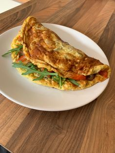 What a way to start the day! A beautiful omelette cooked for me by a loving wife, guess lockdown has it's perks. Trying to stick to Arthritis Diet, Anti Inflammatory Diet, Breakfast Of Champions, Lose Body Fat, Eat Fat, How To Increase Energy, Omelette, Best Diets, Healthy Fats