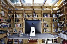 The Hackney Shed by Office Sian  l'ufficio dei miei sogni...legno...luce zenitale.... #spettacolo