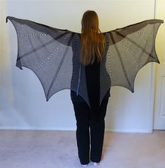 Ravelry: Dragon Wings Shawl pattern by Lisa Benden Shrek Costume, Costume Dress, Costume Wings, Popular Costumes, Costumes For Women, Black Lace Leggings, Diy Wings, Diy Fairy Wings, Maquillage Halloween