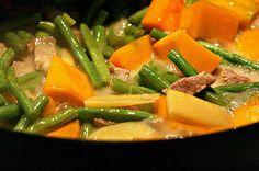 Filipino Ginataang Kalabasa (Squash Cooked in Coconut Milk) - Filipino Food Recipes