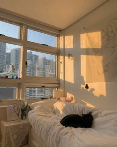 Afternoon sun in Seoul : CozyPlaces Room Design Bedroom, Room Ideas Bedroom, Bedroom Inspo, Bedroom Decor, Study Room Decor, Korean Bedroom Ideas, City Bedroom, Bedroom Bed, Dream Rooms