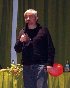 "Espectáculo poético «A poesía é un globo», de Fran Alonso, en versión ""Poetízate"", para público adolescente."