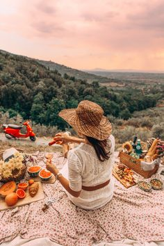 Low Cost Insurance Plan For The Welfare Of Your Loved Ones Italian Picnic - Classy Girls Wear Pearls Picnic Date, Beach Picnic, Summer Picnic, Picnic Photography, Classy Photography, Fashion Photography, Birthday Photography, Romantic Picnics, Romantic Dinners