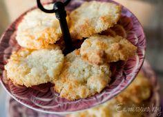 Chilean Recipes, Chilean Food, Coconut Cookies, Cookies Ingredients, Shredded Coconut, Fabulous Foods, Cornbread, Sweet Tooth, Bakery