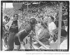 [Recueil. Tour de France cycliste de 1937. Journée du 25 juillet. 20e et dernière étape du Tour de France 1937, Caen-Paris] : [lot de photographies de presse] / [Agence Meurisse ?] - 1