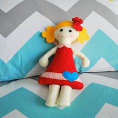 Look who's in my bed today! I made this using a doll sewing kit from @mariapalitodesign #sewingpatterns #sewingkit #handmade #etsy #ragdoll