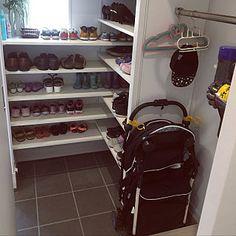 Entry Closet, Micro Apartment, Small Places, Shoe Storage, Home Interior Design, Shoe Rack, Pantry, Entrance, Minimalist