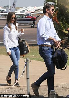 Pippa clutched a $260 handwoven straw tote by Sensistudio as she was greeted by temperatures of 31 degrees Read more: http://www.dailymail.co.uk/femail/article-4561464/Pippa-Middleton-continues-Australian-honeymoon-Darwin.html#ixzz4imJs3sPB Follow us: @MailOnline on Twitter | DailyMail on Facebook