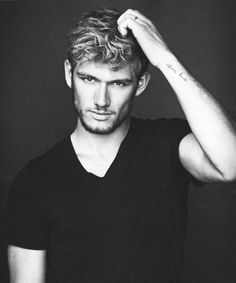 Alex Pettyfer, delish